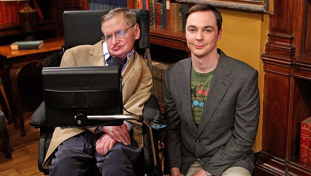Stephen Hawking y Jim Parsons