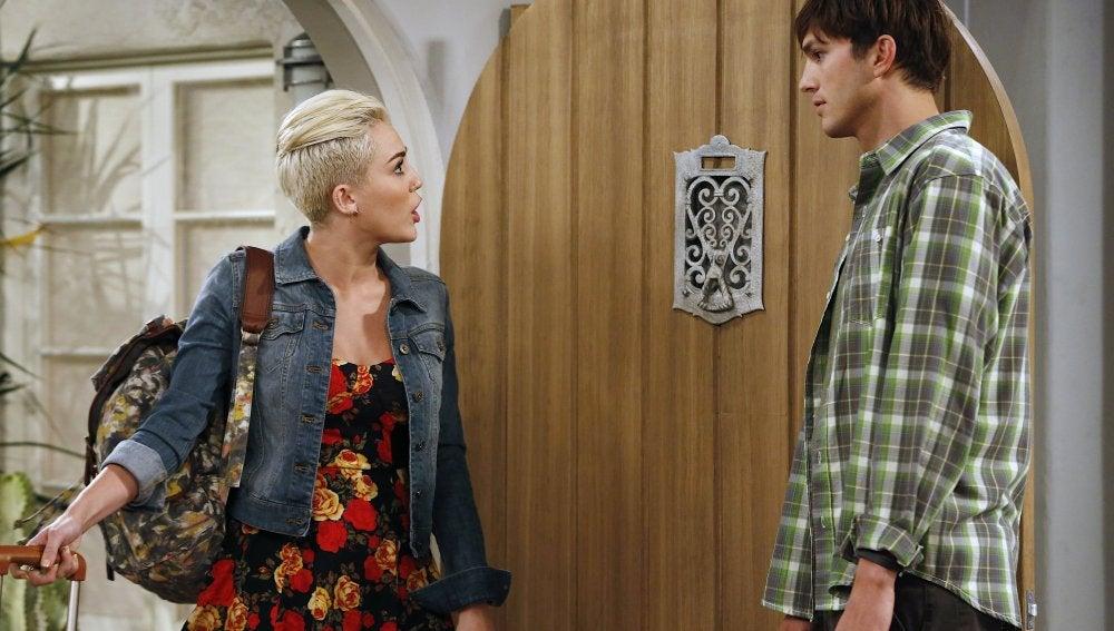 Miley Cyrus en 'Dos hombres y medio'