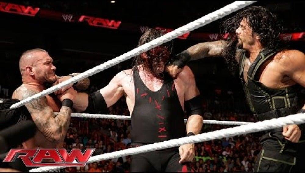 Roman Reigns se verá las caras  con Randy Orton y Kane