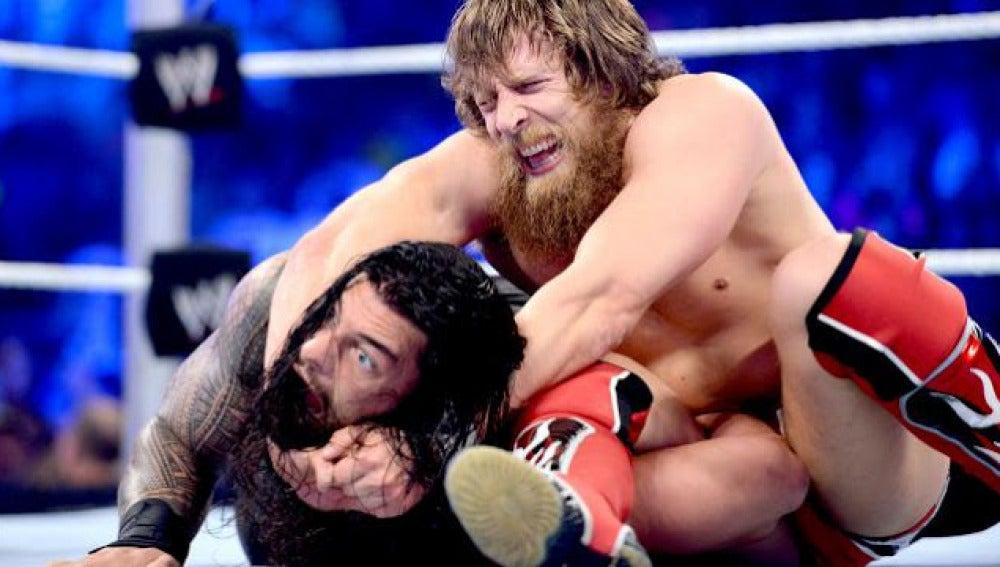 Roman Reings y Daniel Bryan