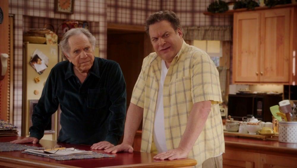 Murray le da carta libre a Adam