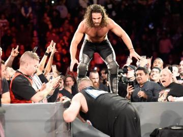 Kevin Owens retiene el Campeonato Universal en 'Raw'