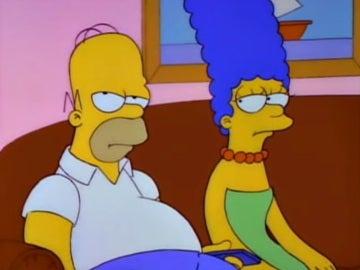 Homer y Marge, de Los Simpson