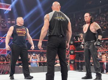 Undertaker, Goldberg y Lesnar se citan para Royal Rumble en 'Raw'