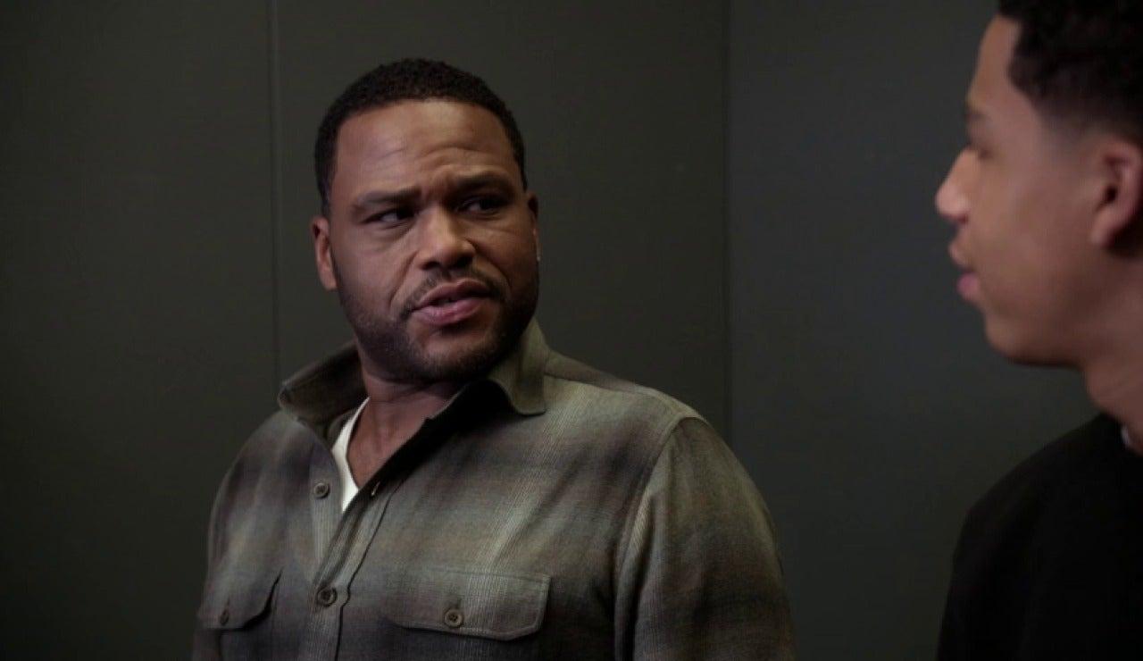 Frame 0.0 de: Black ish: Dre está obsesionado con su identidad racial
