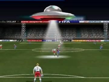 OVNI en FIFA 2000