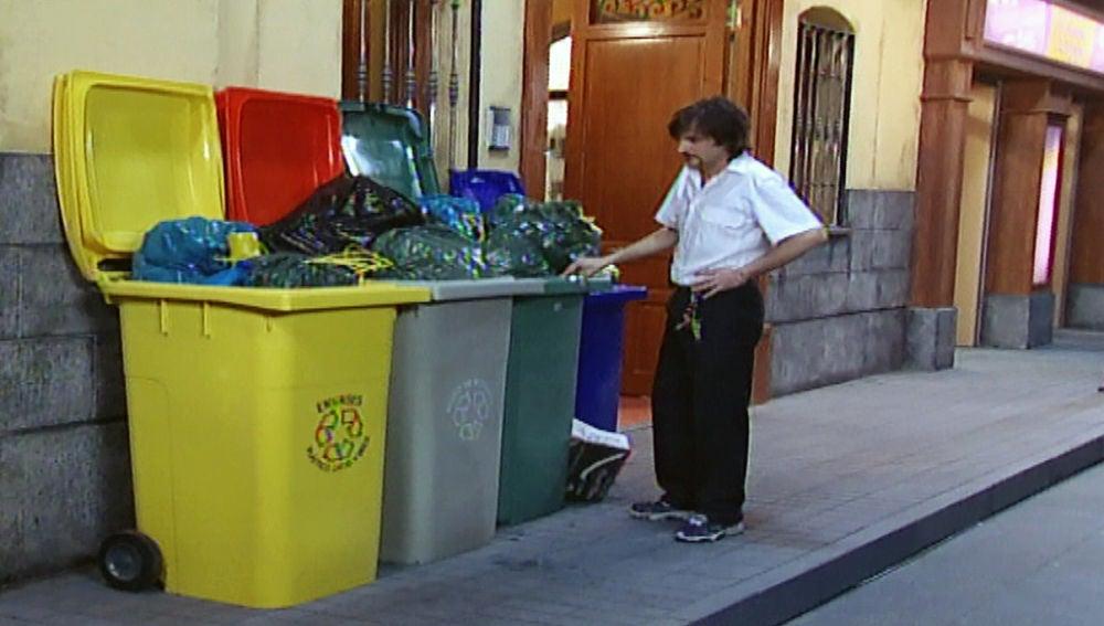 Aquí no hay quien viva - Temporada 1 - Capítulo 3: Érase el reciclaje