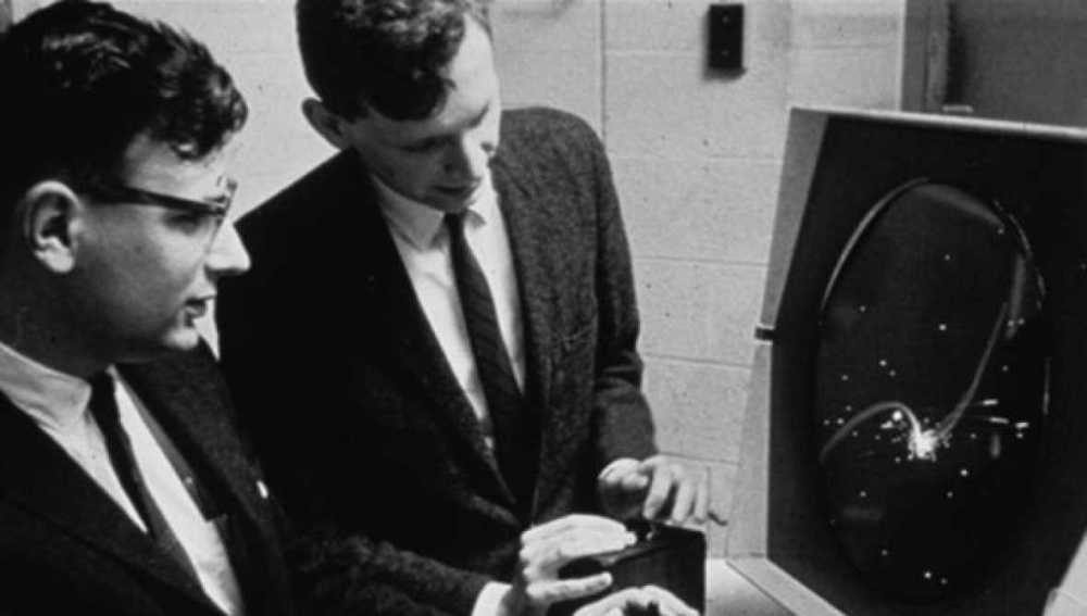 Dan Edwards y Peter Samson jugando a Spacewar!