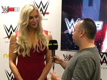Charlotte Flair atiende a la web de Neox
