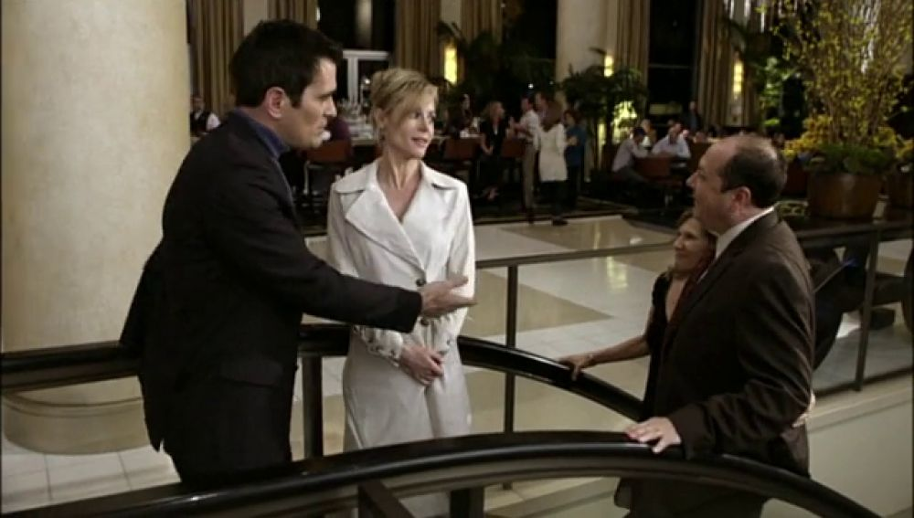 Claire juega a seducir a Phil en San Valentín