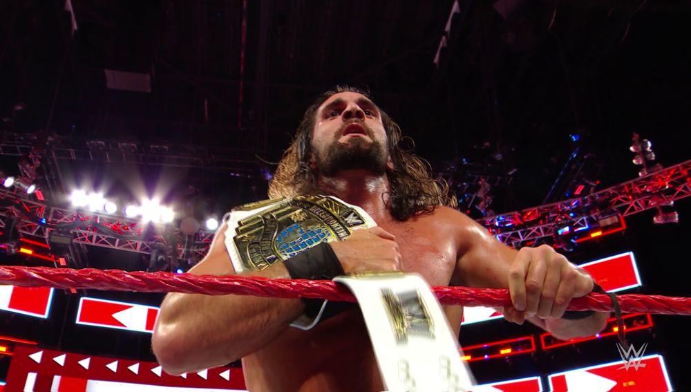 Seth Rollins retiene el Campeonato Intercontinental