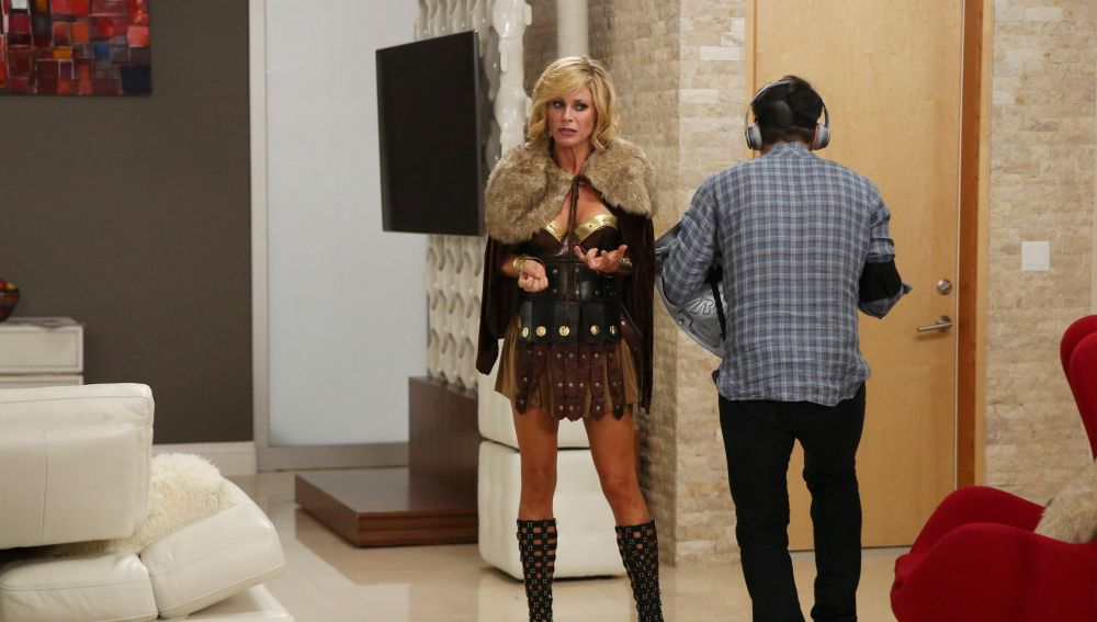 Modern family - Temporada 7 - Capítulo 7: La casa supersexy de Phil