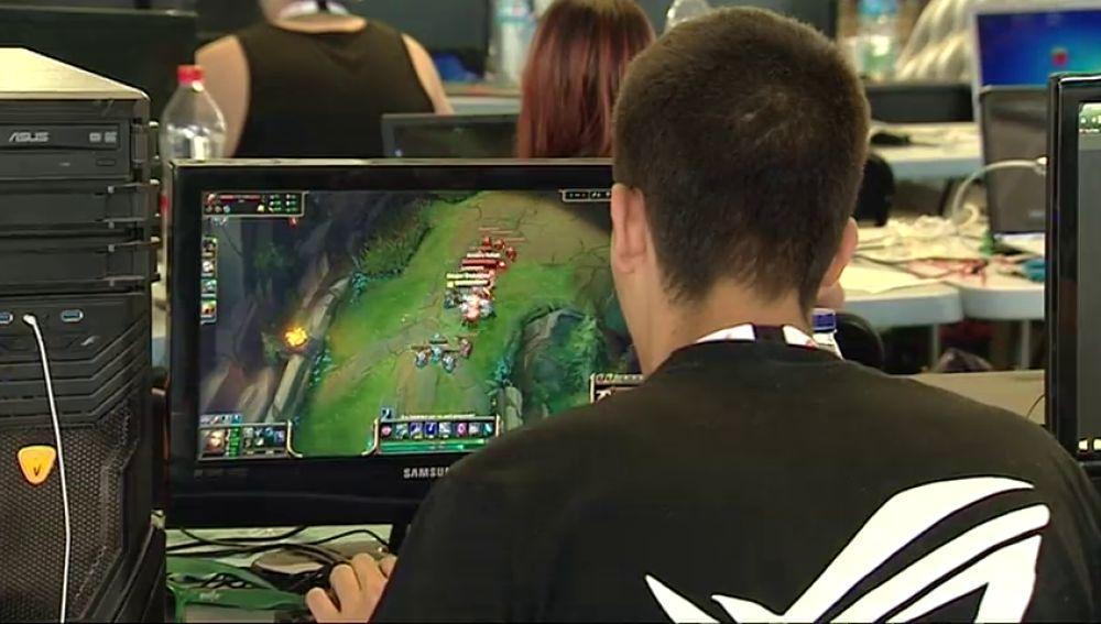 El Gobierno canario implanta dos horas de videojuegos a la semana en varios centros escolares