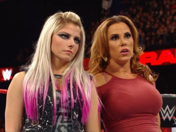 Alexa Bliss y Mickie James