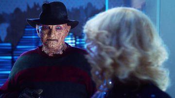 Así fue el cameo de Freddy Krueger (Robert Englund) en 'Los Goldberg'