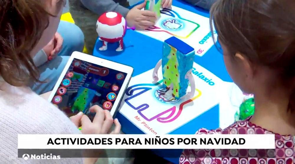 Los niños protagonizan 'La aventura del color' por Navidad en compañía de Mr. Plinton, la divertida mascota de Neox Kids