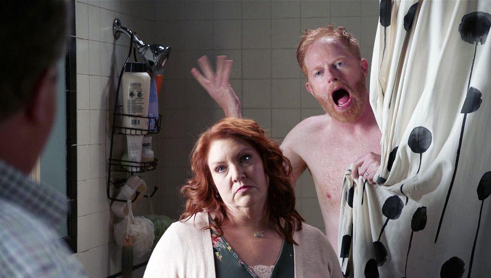 Pam sale de la cárcel y tiene algo que pedir a Mitchell