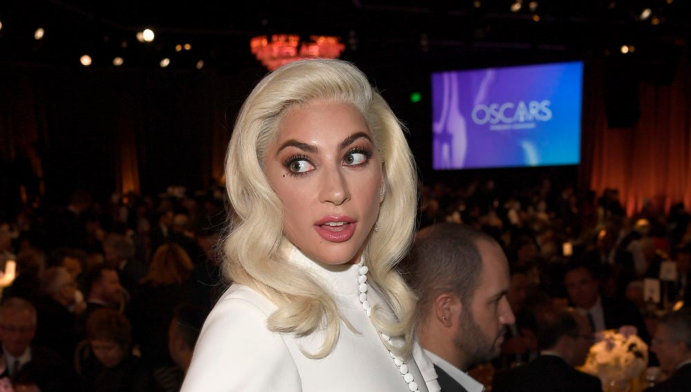 Lady Gaga en la comida de los nominados a los Oscar