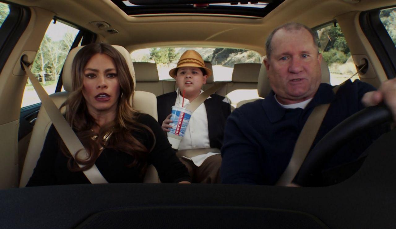 Modern Family - Temporada 3 - Capítulo 21: Aviones, trenes y coches