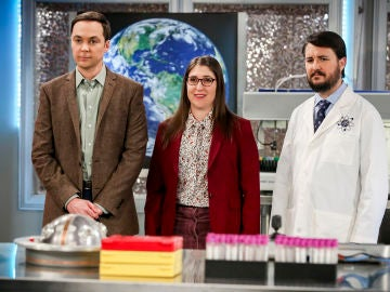 Sheldon, Amy y Will Wheaton