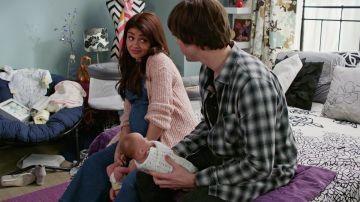 Haley recibe clases para aprender a cuidar a sus bebés