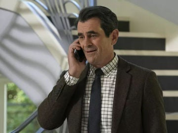 Modern Family - Temporada 10 - Capítulo 18: Defiende a tu hombre