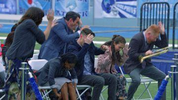 El desastroso final de la ceremonia de graduación en 'Modern family'