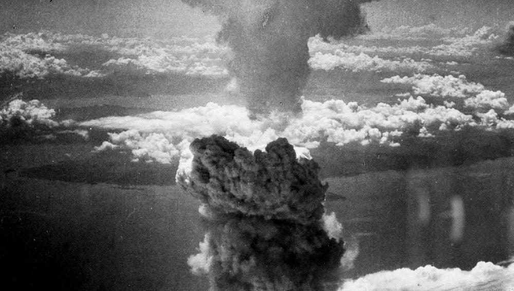 Explosión bomba nuclear