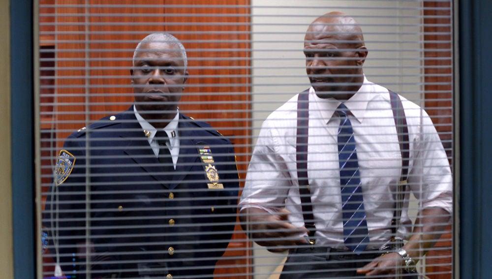 Capitán Holt y sargento Jeffords