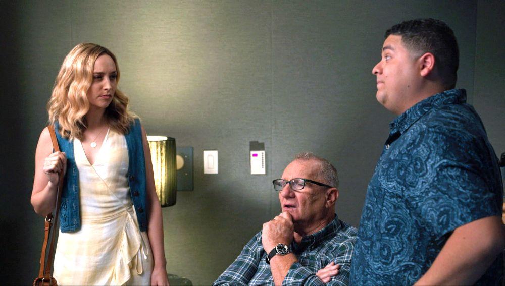 Manny vuelve a encontrarse con su ex Sherry