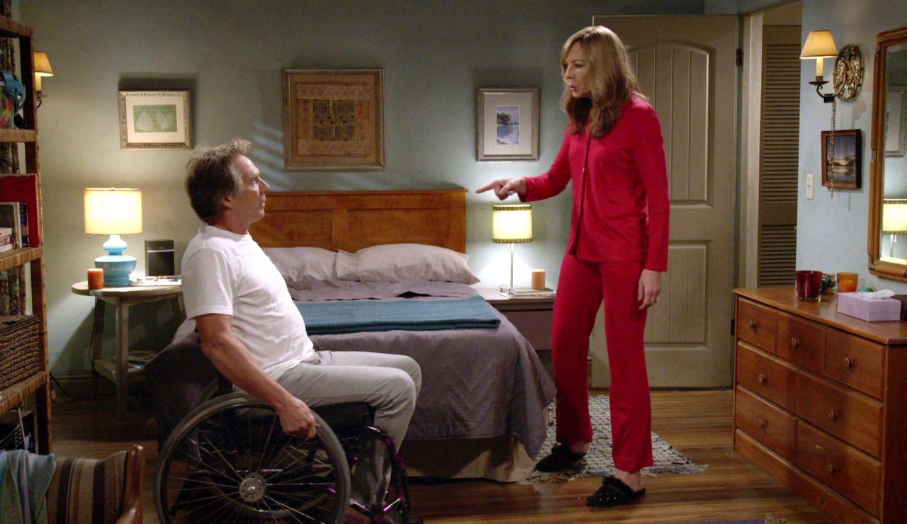 Adam discute con Bonnie por no tener casi espacio en su casa