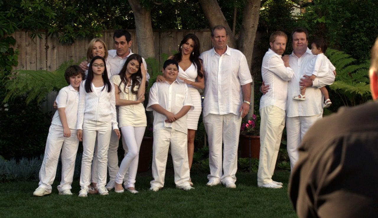 Todos de blanco para la foto de Claire