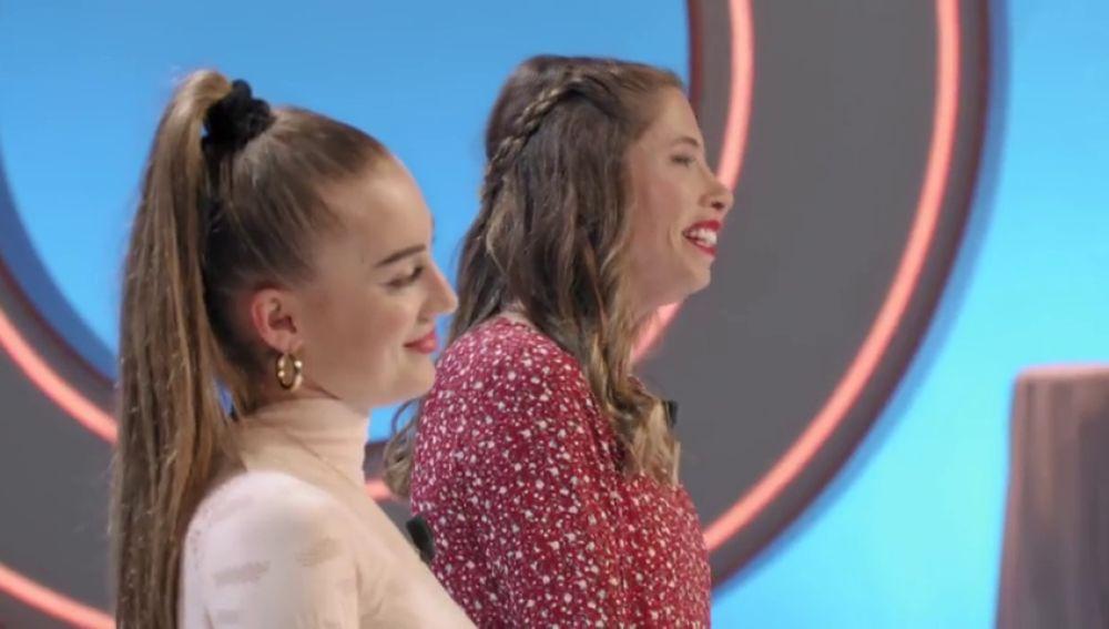 Olivia y Natalia presentan su primera fotografía para la final de 'Top Photo'