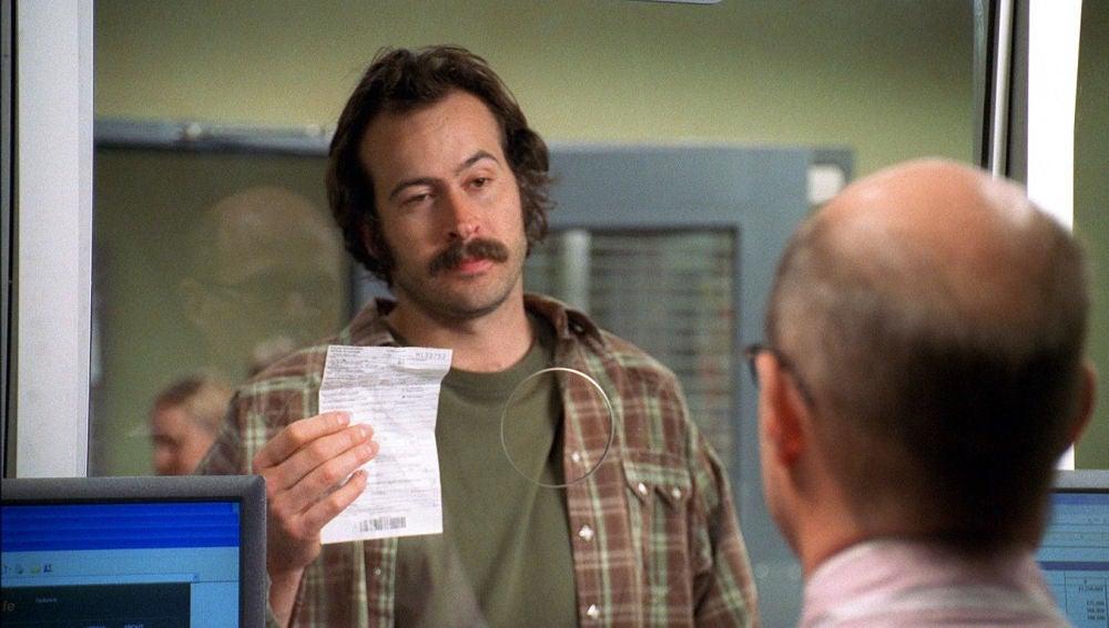 Earl paga impuestos