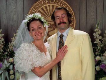 Earl, obligado a casarse con la madre de Ralph para no ser asesinado