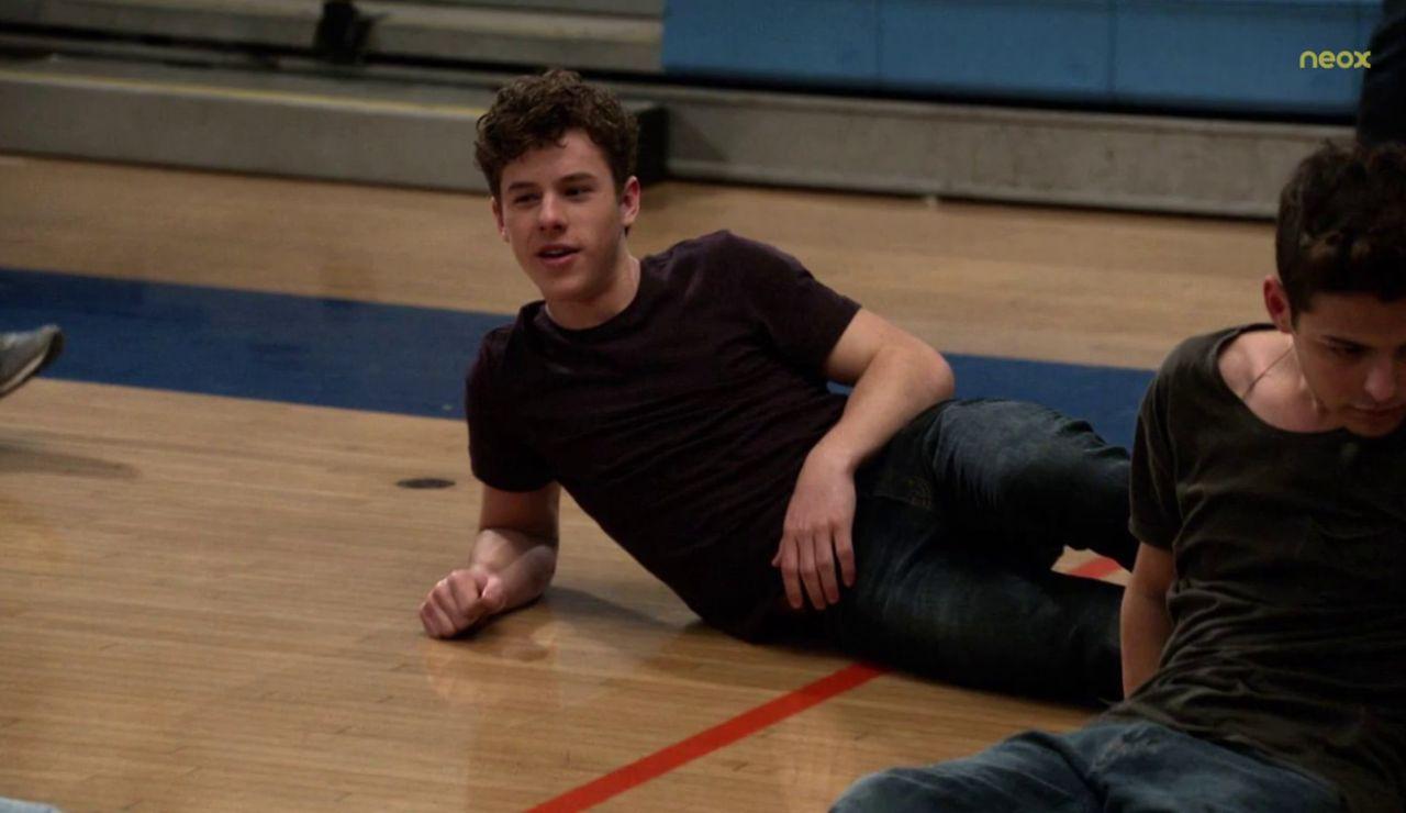 Nolan Gould, Luke en 'Modern Family' revoluciona las redes con un posado semidesnudo