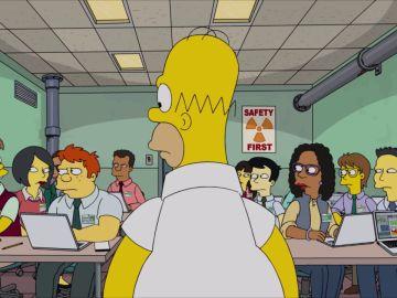 Homer es ridiculizado por los becarios de la central nuclear