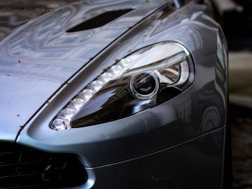 Ebrio y el Aston Martin destrozado: Así quedó el nuevo coche de un youtuber de Andorra tras un aparatoso accidente