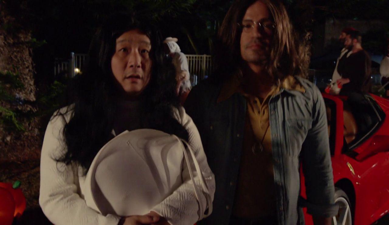 Disfrazan a Magnum para que cace un asesino en Halloween