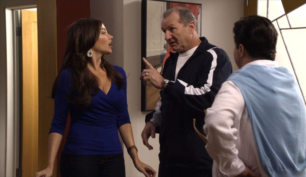 Jay pide ayuda a Gloria