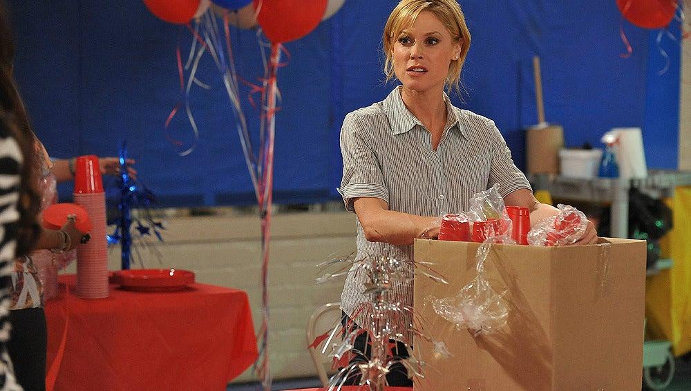 Claire prepara la fiesta
