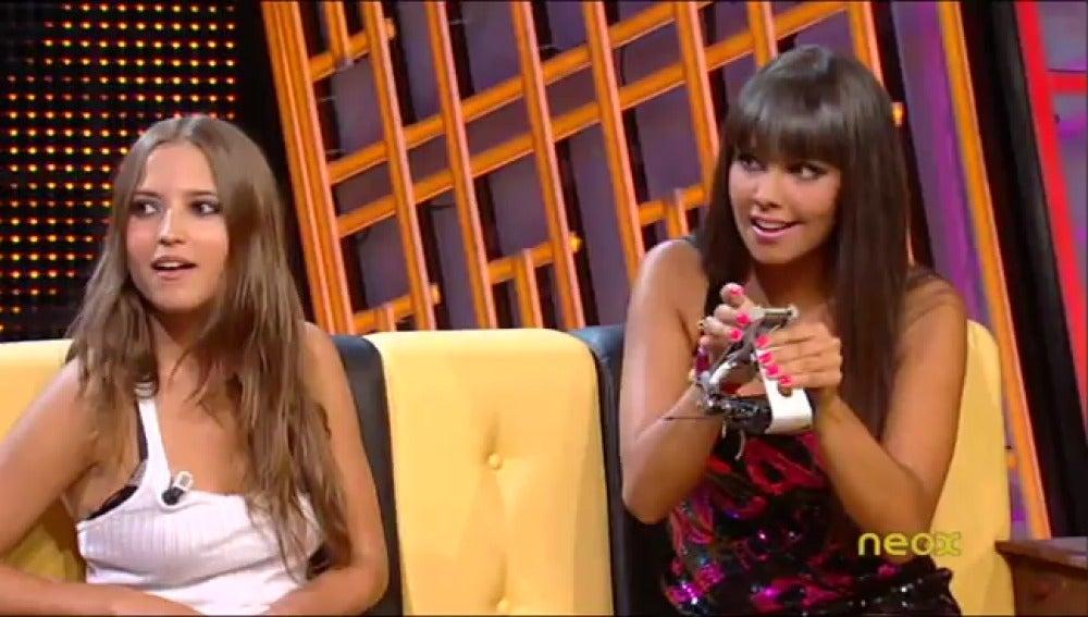 Cristina coge el móvil de Ana Fernández