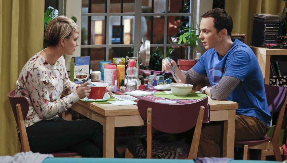 Penny y Sheldon en The Big Bang Theory
