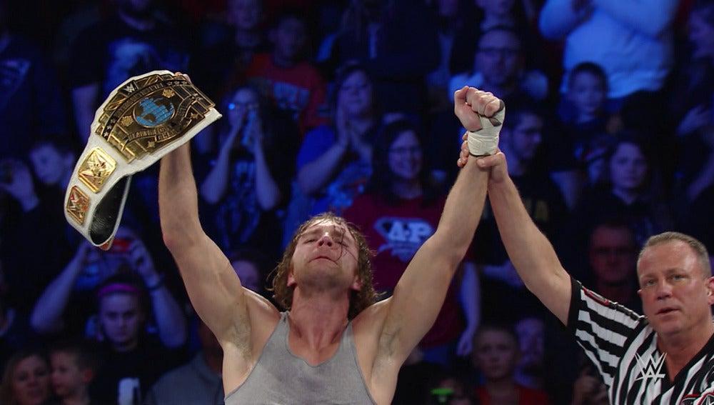 Dean Ambrose retiene su cinturón frente a Ziggler y Owens en 'SmackDown'