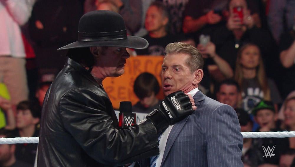 Undertaker vuelve a 'Raw' para un cara a cara con Vince McMahon