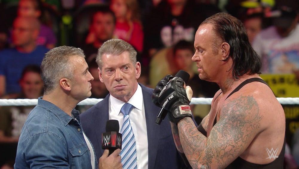 Cara a  cara entre Undertaker y Shane McMahon en 'Raw'