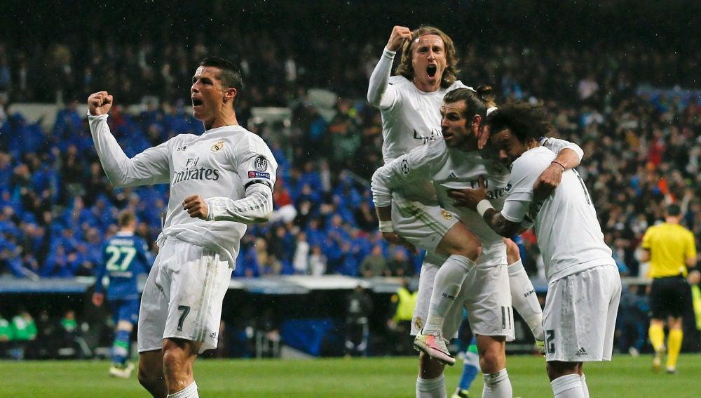Celebración efusiva del 2-0 del Madrid