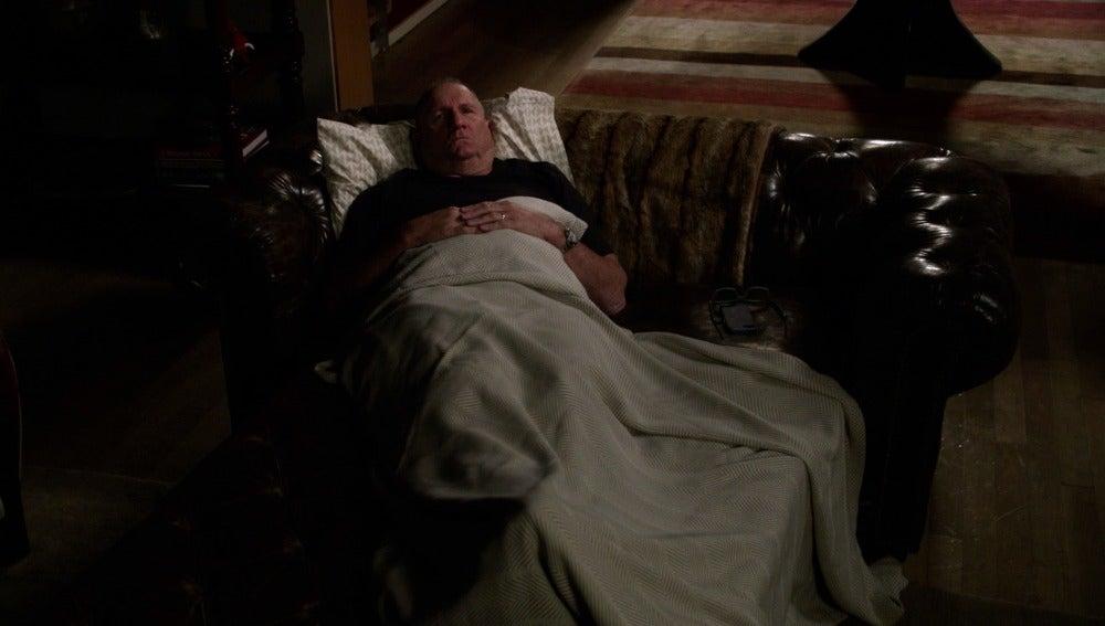 Jay no puede conciliar el sueño tras su enfado con Gloria