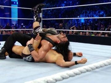 Reigns y The Usos se cobran la venganza en 'SmackDown'