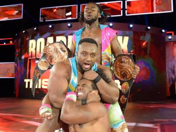 The New Day retiene los títulos y Reigns busca la doble corona en 'Raw'